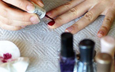 How to Make Nail Polish at Home?
