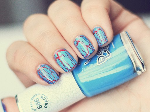 How to Apply Crackle Nail Polish?