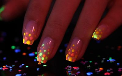 6 Best Glow In The Dark Nail Polishes in 2021